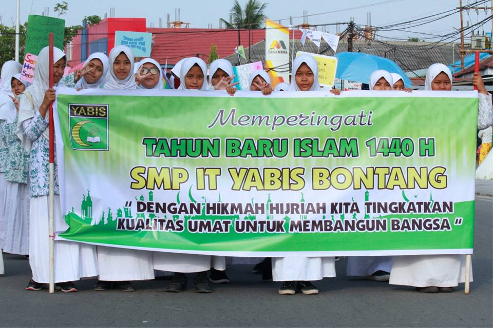 Luar Biasa, Yayasan Yabis Turunkan 1.150 Peserta pada Pawai Taaruf